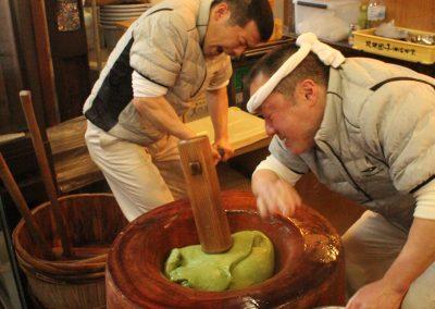 Nara Motchi pounding